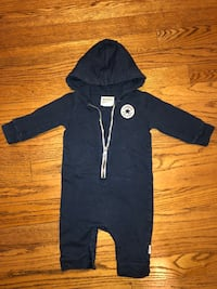 Used, Lake new, Converse all star overall, size 6-9 months Уилинг, 60090