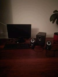 Monitor, keyboard, and speakers with subwoofer Richmond Hill, L4B 1A7