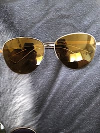 gold framed Ray-Ban aviator sunglasses El Paso, 79925