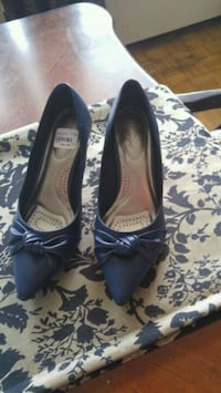 Women shoes size 7.5 w Mississauga, L5E 1G3