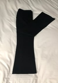 Judith and Charles ankle length flare pants, size 8. Montréal, H1J