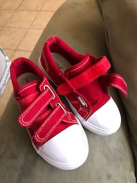 Canvas shoes for toddler size 9c Palmdale, 93550