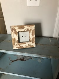 Cute farmhouse picture frame it's small