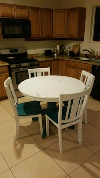 Table & Chair's Banning, 92220