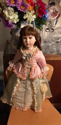 26 inches tall and beautiful doll company treasurers Forever. Las Vegas, 89102
