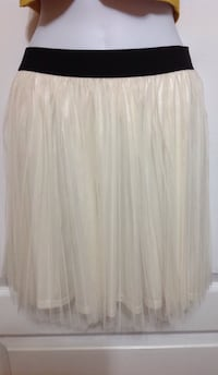 ARDENE White Mesh Skirt: Size Medium Toronto, M6G