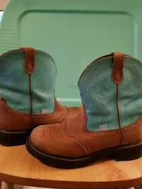 Justin boots size 10 1/2 Prineville, 97754