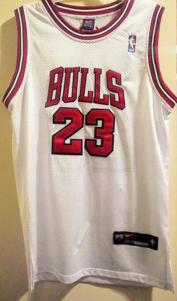 designer fashion be303 9ef5d Authentic Nike Jordan Chicago Bulls Jersey