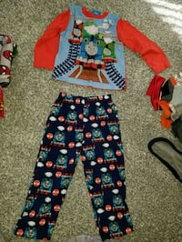 BOYS THOMAS THE TRAIN PJS SIZE 5T Fountain Inn, 29644