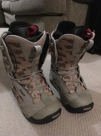 Forum snowboard boots size 8 Vancouver, V6R 2B5