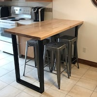 Custom Butcher Block breakfast bar. Chairs not included and Price is Non négociable Montréal, H2T 2V3