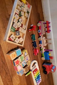 Montessori learning toys