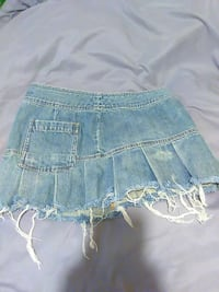 blue denim skirt null