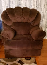 Recliner chair  Brampton, L6X 2L3