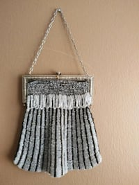 ANTIQUE 1920/1930'S SILVER METAL BEADED MESH PURSE Pickering, L1V 3V7