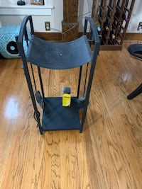 Fireplace log stand and tools Council Bluffs, 51503