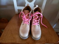 pair of pink-and-white work boots St. Louis, 63126