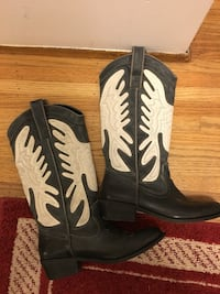 pair of black-and-white leather cowboy boots Vancouver, V6P 4J2