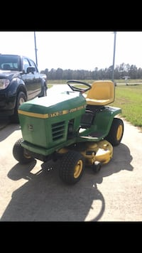 green and yellow John Deere  riding mower Sneads Ferry, 28460