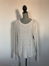 H&M white sweater in size Large 3155 km