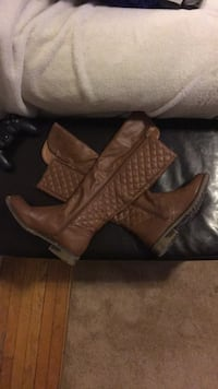 Brown riding boots  London, N6A 1Z4