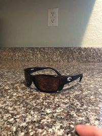 Tortoise framed costas. Like new barely wore them Tampa, 33609