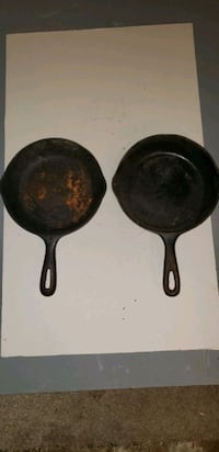 Cast iron pans taking offers  Downers Grove, 60516
