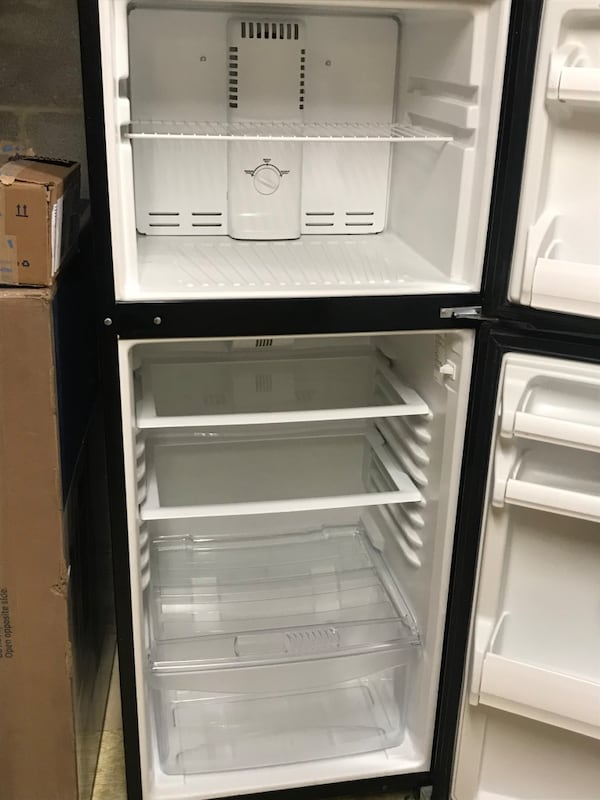 "Fridge 60""h, 27""d, 24""wide 6e8ae078-5eca-4e48-9f73-dd5c300d9382"