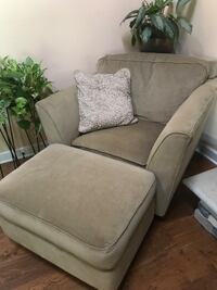 Beige Lazy Boy Couch, chair and ottoman set Blacklick, 43004