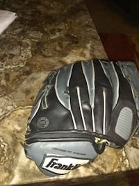 Leather Soft ball glove Baltimore, 21229
