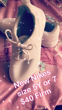 pair of white leather shoes Bellflower, 90706