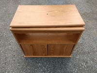 TV stand/28.4x16.5/24.4 h Westminster, 21157