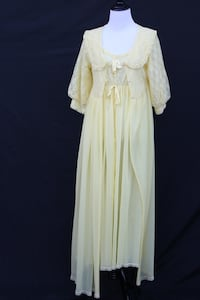 Darling Vintage 1960s Yellow Nylon Gown and Matching Robe Set w/Lace Castaic, 91384
