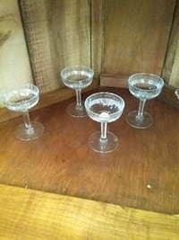 Set 3 with 4 pieces, wine glass  Middletown, 17057