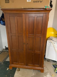FREE  Computer armoire