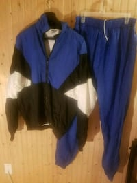 Lined tracksuits 3730 km