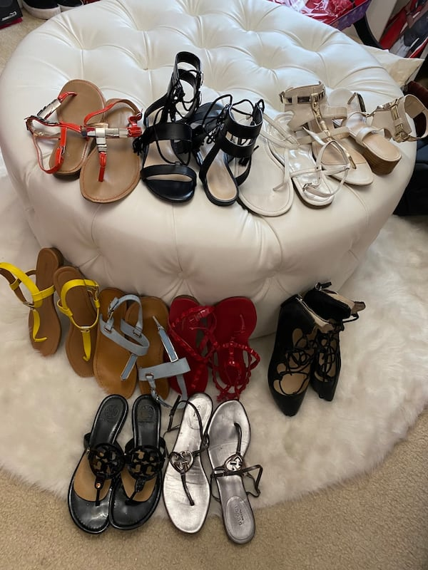 10 pairs of shoes sizes 71/2 and 8 3892be93-ef5d-4701-9abd-02d88c7e273e