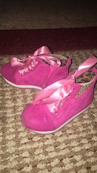 Girl shoes size 9 Columbus, 31904