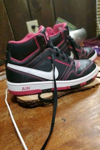 Womens Nike Air high tops size 7.5 Concord, 03301