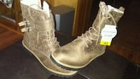 pair of brown leather boots Winnipeg, R2P