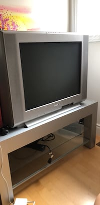 Sony TV and Stand Richmond Hill, L4S 2S6