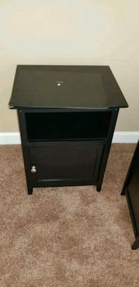 Night stand  Lanham, 20706