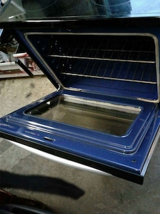 LG electric stove excellent condition very clean