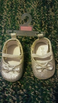 toddler's pair of gray mary jane shoes Frederick, 21702