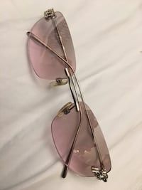 XOXO pink sunglasses with crystals Toronto, M1C 3N6