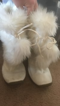 White boots with fur.  Middle River, 21220