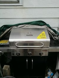 A brand new gas grill it's a Char-Broil