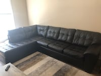 Comfy sectional couch- great condition Laurel