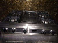 Viking 36 inch stove top with 4 burners and a grill. Great condition  Bakersfield, 93312