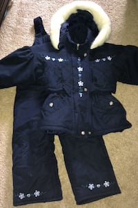 Toddler girls snowsuit size 4T fits 3T best Baltimore, 21221
